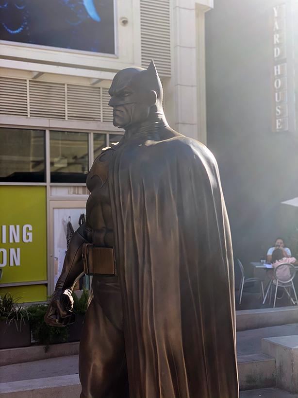 Batman-Bronze-3-quarter