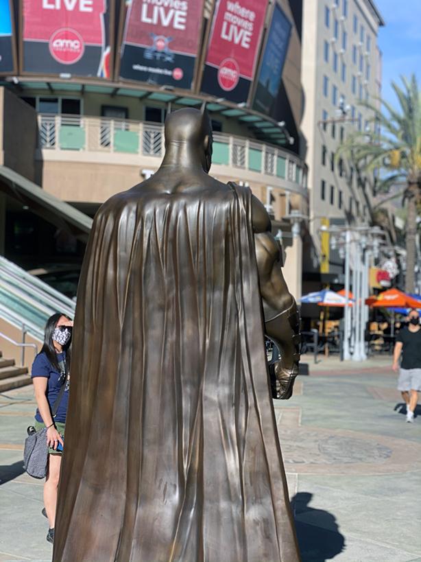 Batman-Bronze-back