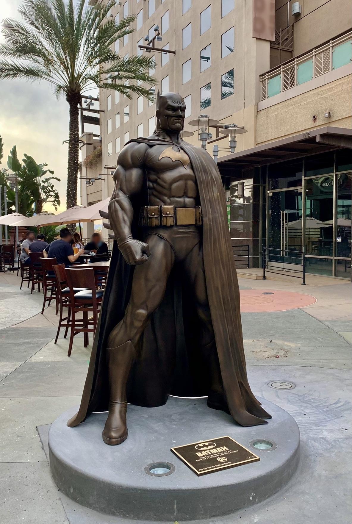 Batman-in-Bronze-1